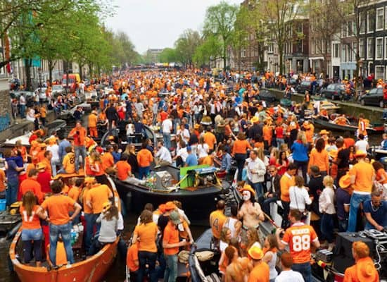 Boot Huren Koningsnacht Amsterdam